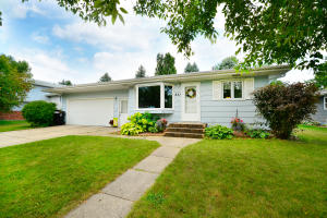 831 S 24TH ST, GRAND FORKS, ND 58201