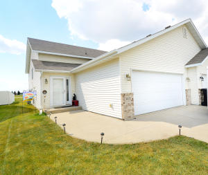 4838 CURRAN CT, GRAND FORKS, ND 58201