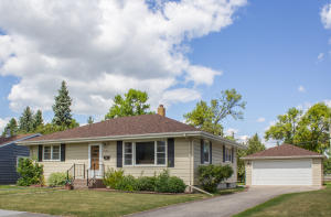 1006 S 24TH AVENUE, GRAND FORKS, ND 58201
