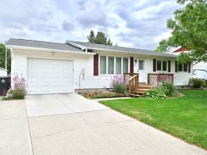 131 VICTORIA CT, GRAND FORKS, ND 58201