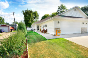 613 S 8TH AVE, GRAND FORKS, ND 58201