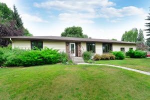 3929 CHERRY ST, GRAND FORKS, ND 58201