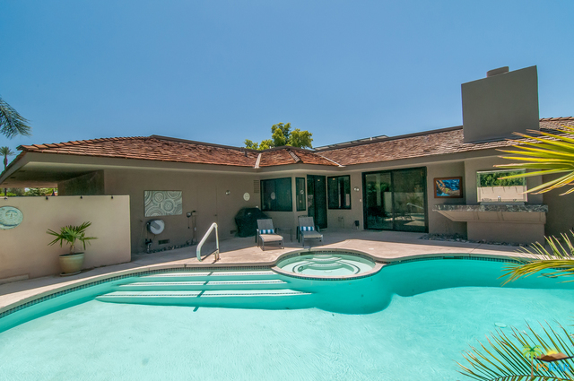 Photo of 12 WHITTIER Court, Rancho Mirage, CA 92270