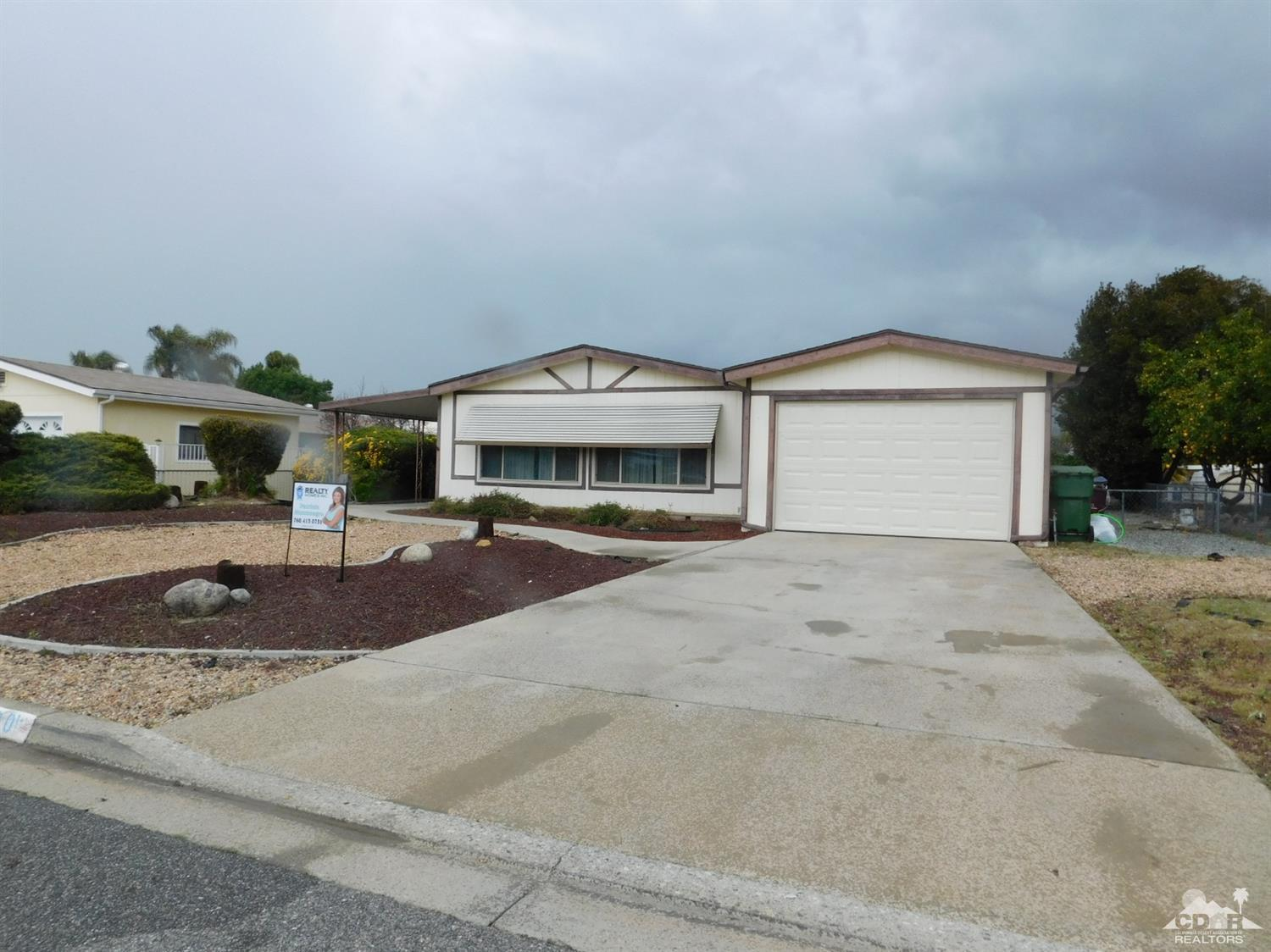 Photo of 43560 Holder Avenue, Hemet, CA 92544