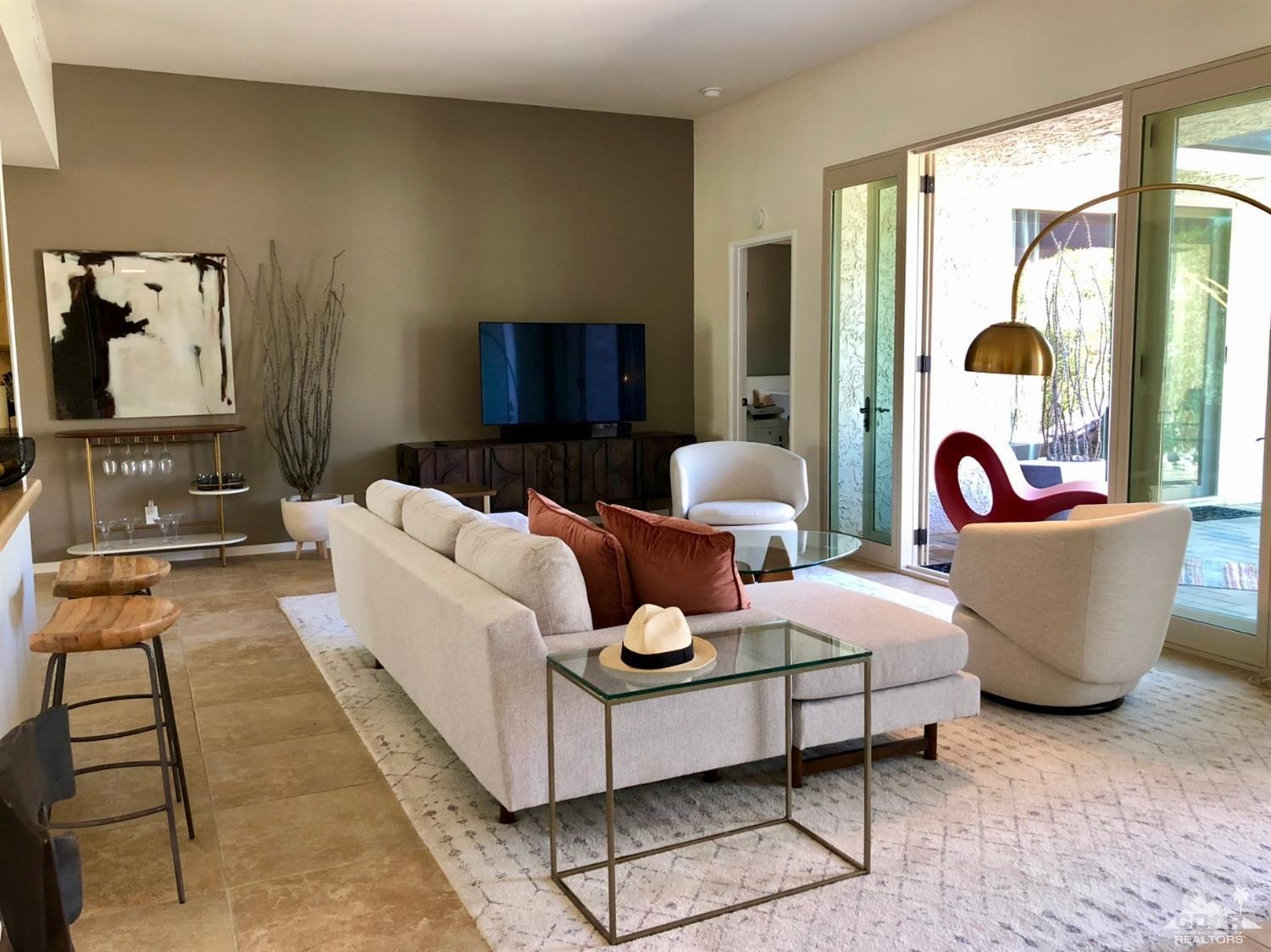 Photo of 462 N Hermosa Drive, Palm Springs, CA 92262