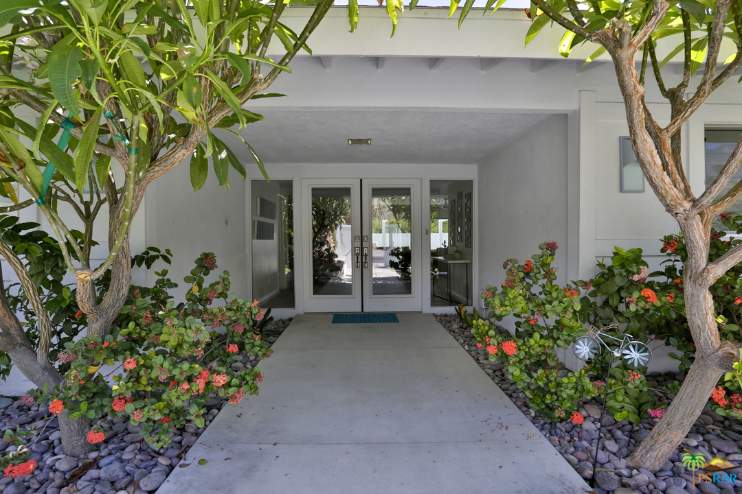 Photo of 1088 S MANZANITA Avenue, Palm Springs, CA 92264