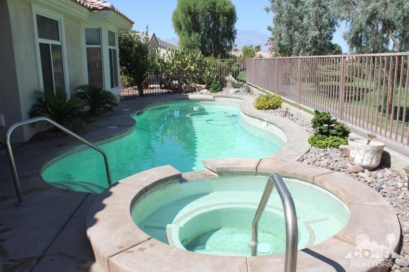 Photo of 39483 Manorgate Road, Palm Desert, CA 92211