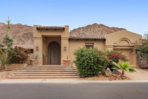 Property for sale at 77270 Loma Vista, La Quinta,  California 92253