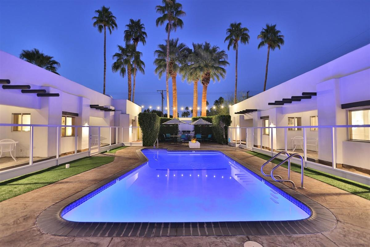 Photo of 221 E Sonora Road, Palm Springs, CA 92264