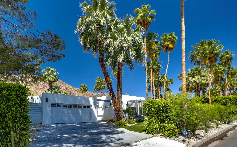 Photo of 985 N Via Monte Vista, Palm Springs, CA 92262