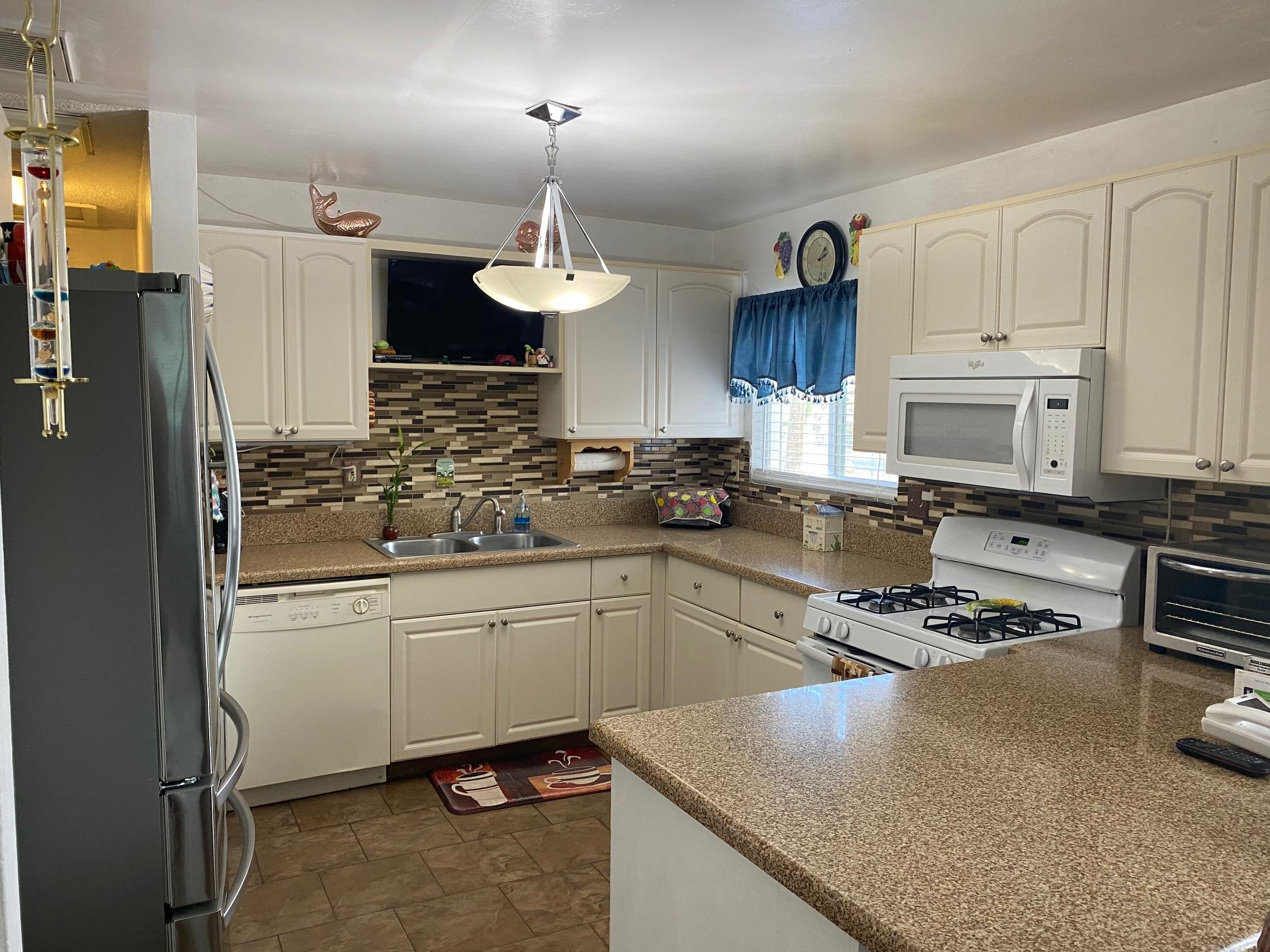 Photo of 7444 Joshua View Drive, Yucca Valley, CA 92284