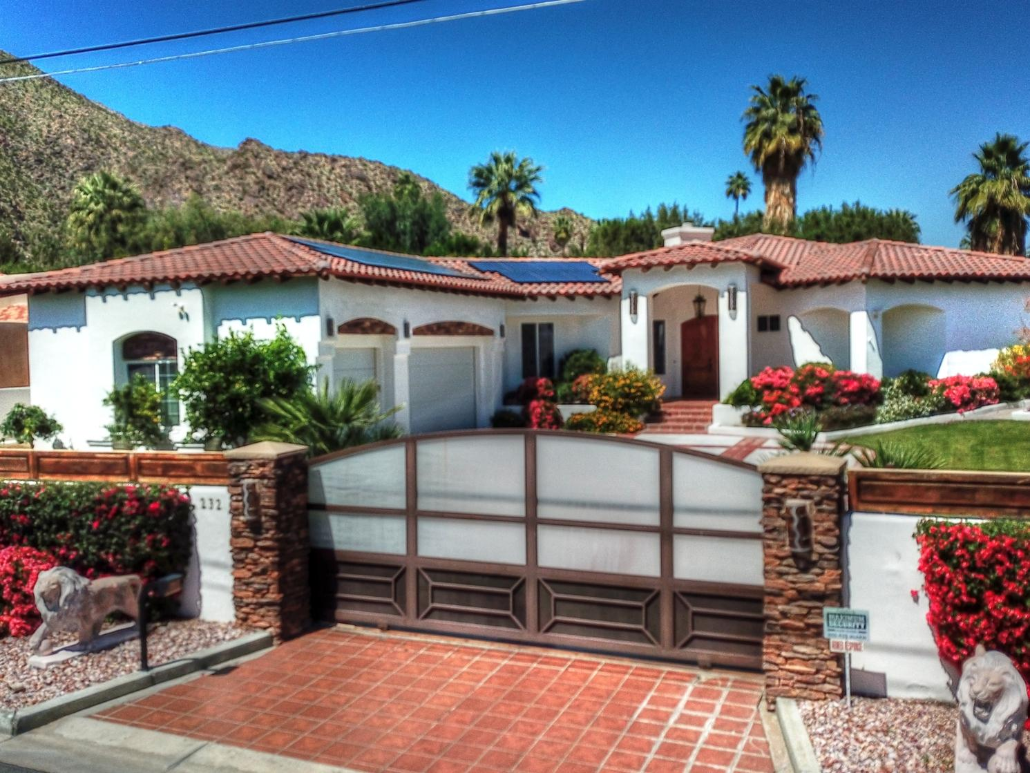 Photo of 232 W Overlook Road, Palm Springs, CA 92264