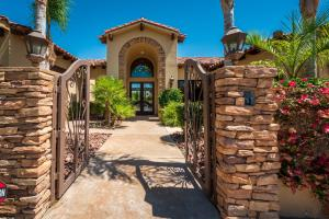 Property for sale at 81020 Shinnecock Hills, La Quinta,  California 92253