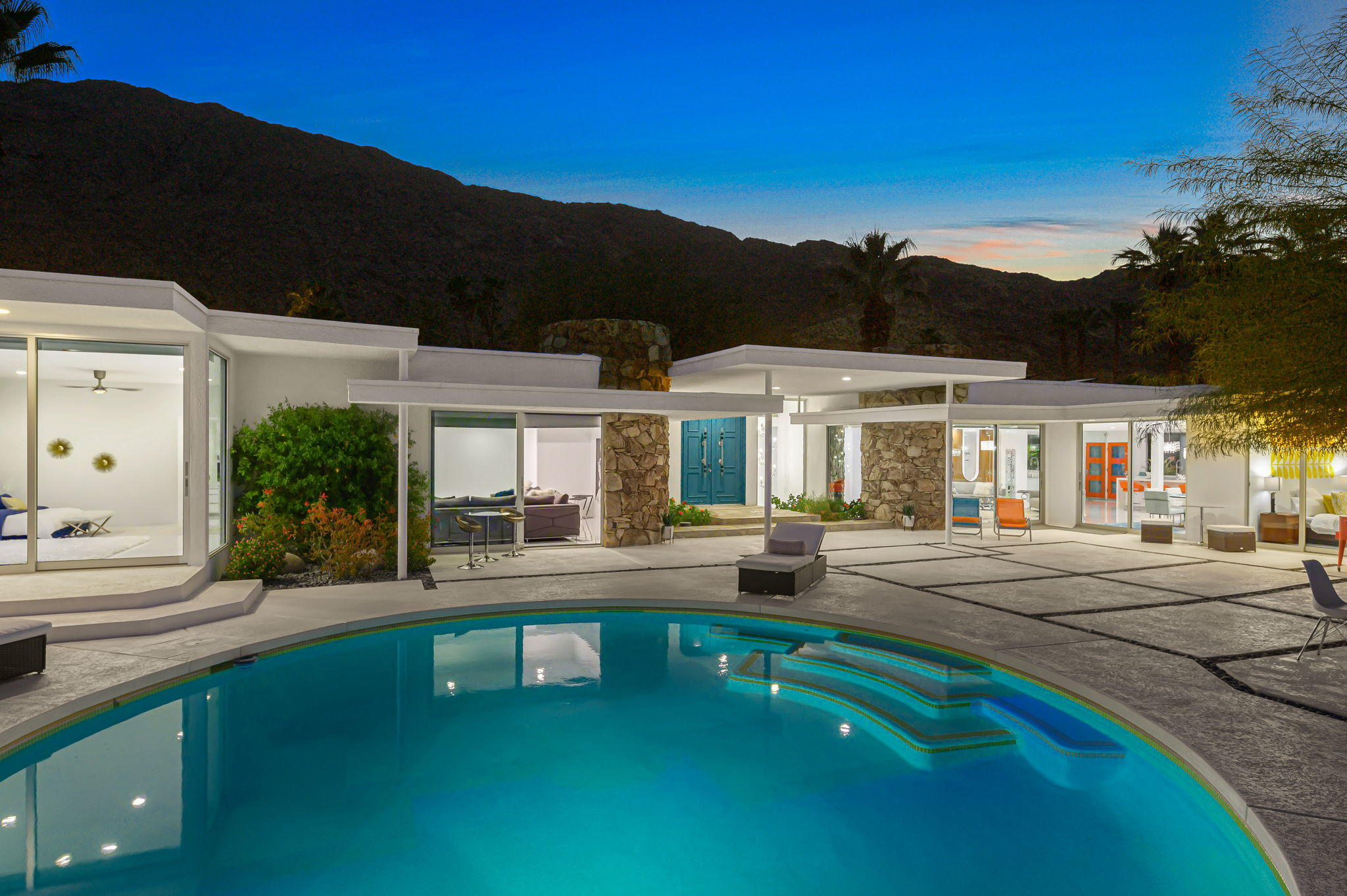 Photo of 445 S Monte Vista Drive, Palm Springs, CA 92262