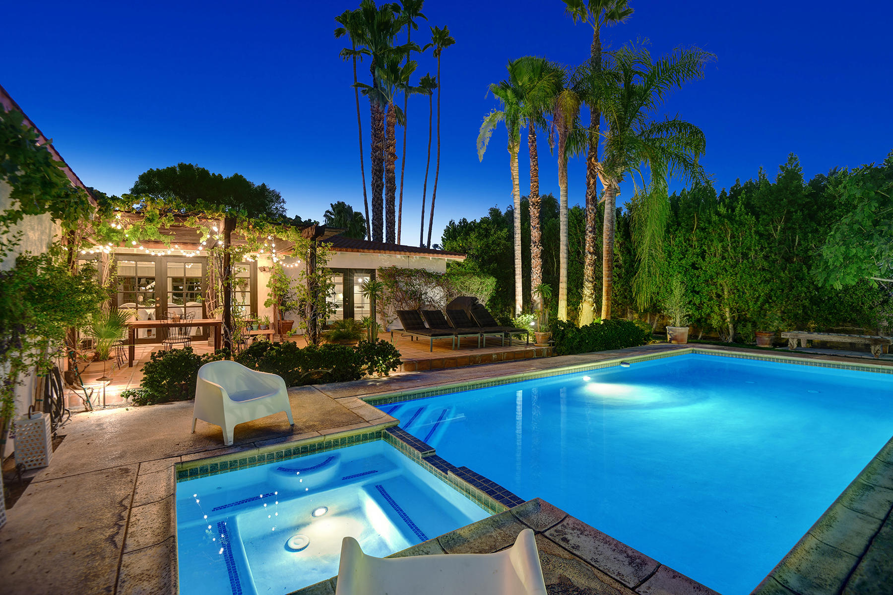 Photo of 471 Tamarisk Road, Palm Springs, CA 92262