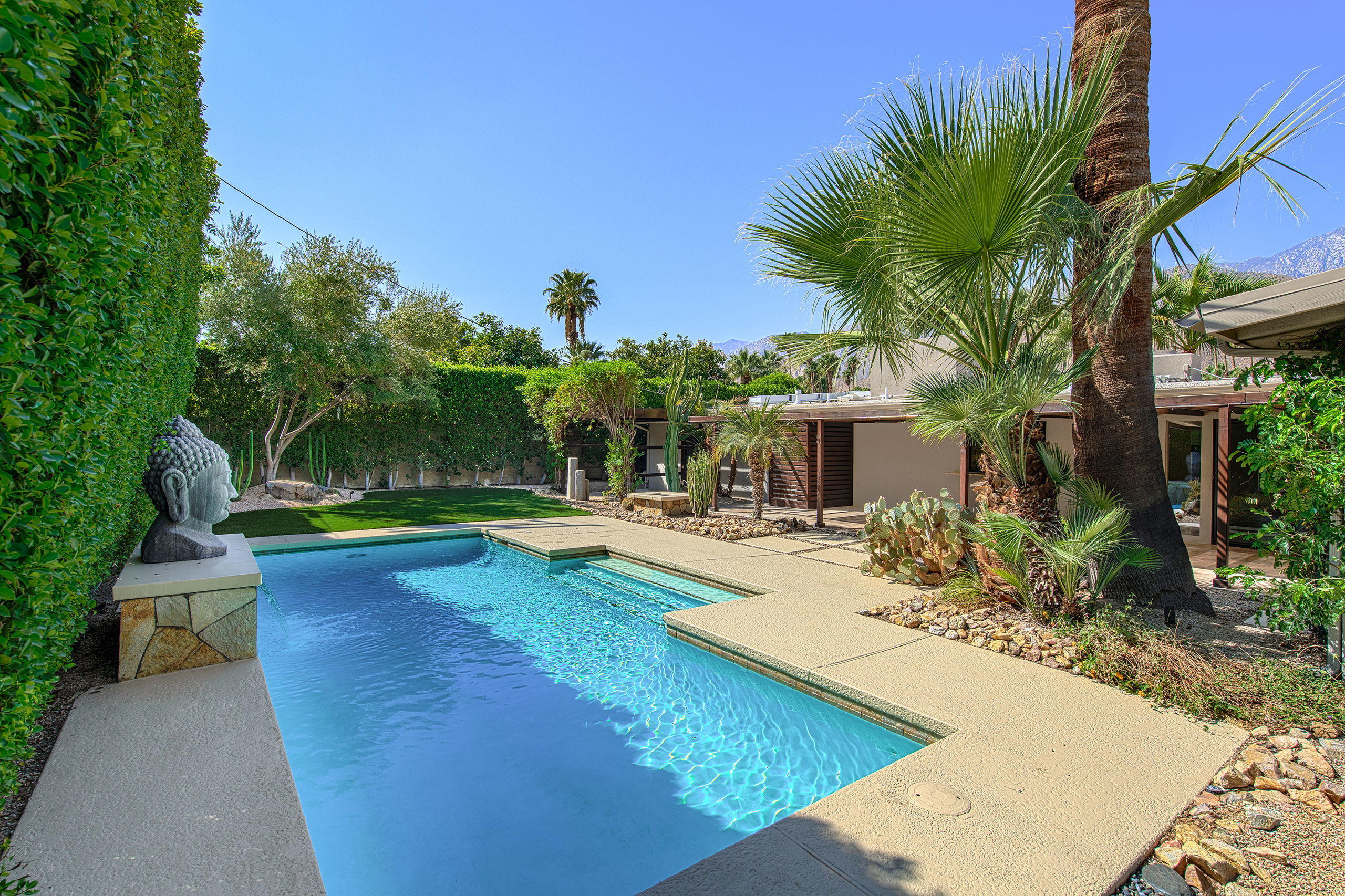 Photo of 1350 S Calle Marcus, Palm Springs, CA 92264