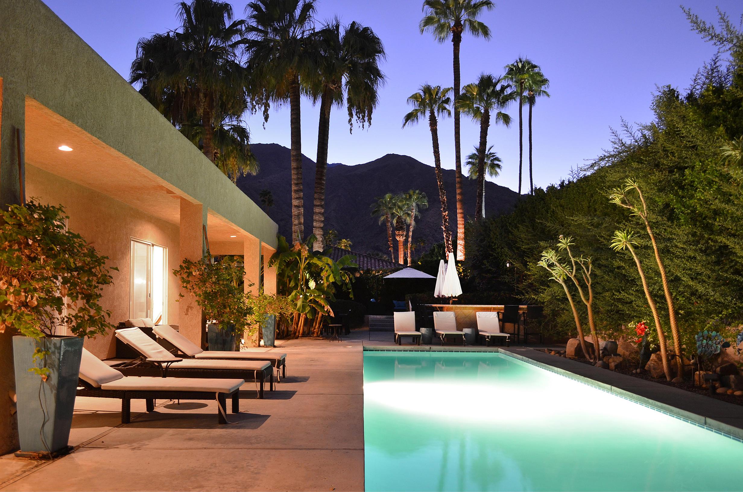 Photo of 286 W Via Lola, Palm Springs, CA 92262