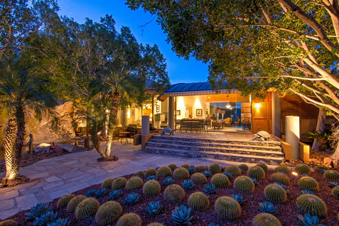 Photo of 2401 Cahuilla Hills Drive, Palm Springs, CA 92264
