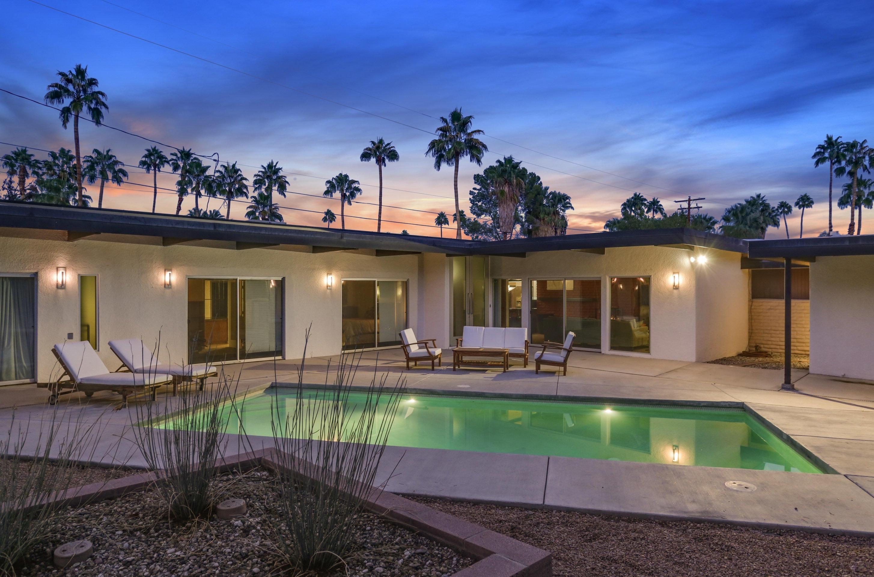 Photo of 2120 E Paseo Gracia, Palm Springs, CA 92262
