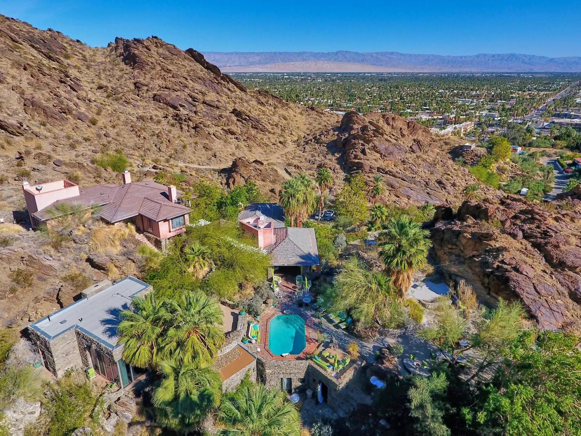 Photo of 252 Ridge Road, Palm Springs, CA 92264