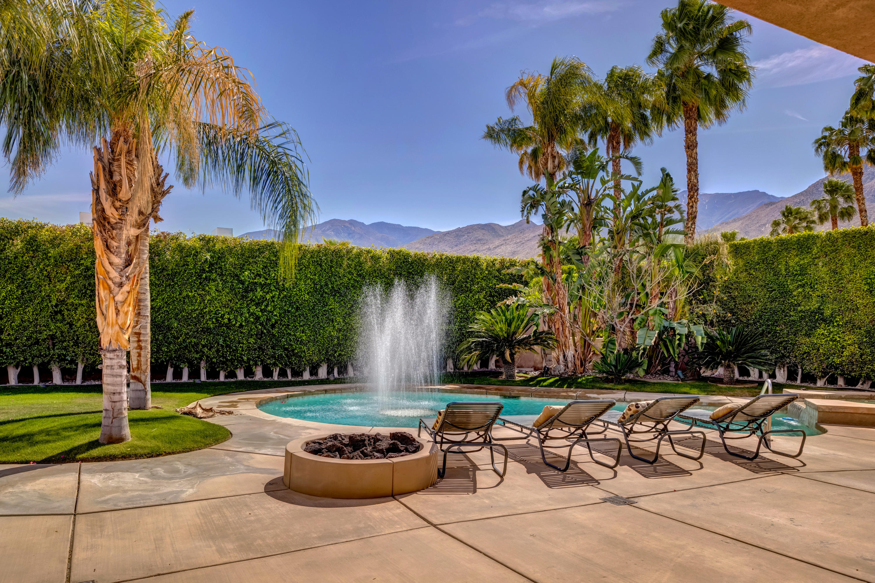 Photo of 825 Snapdragon Circle, Palm Springs, CA 92264