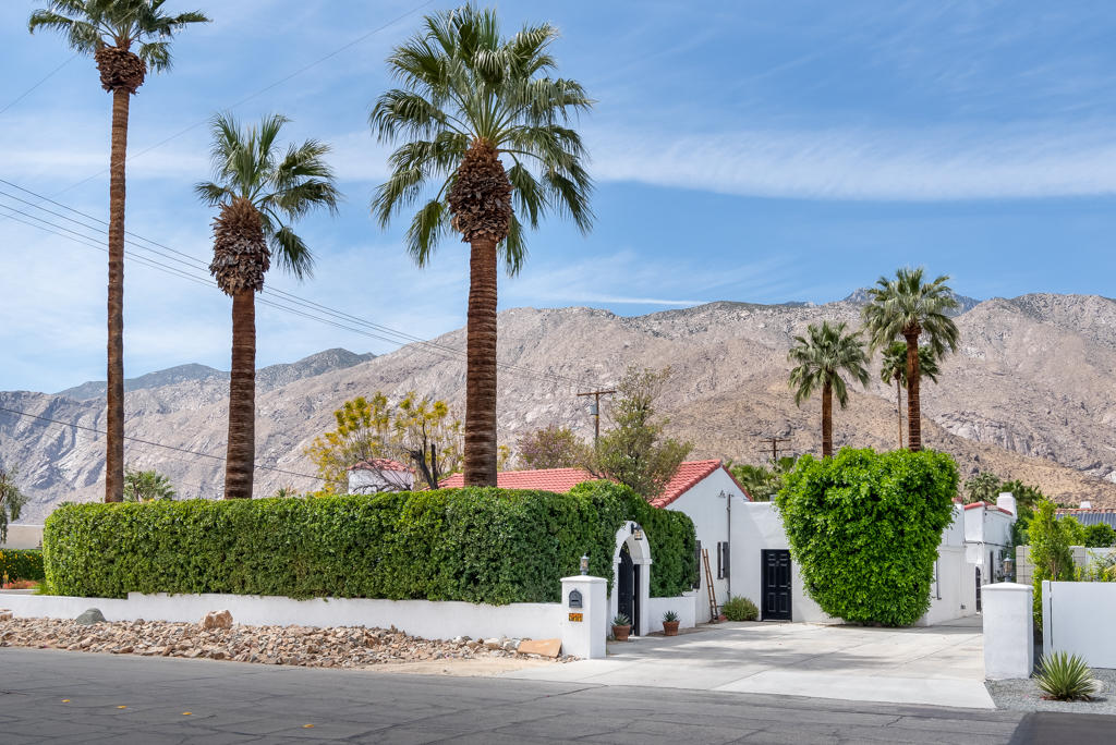 Photo of 511 N Via Miraleste, Palm Springs, CA 92262