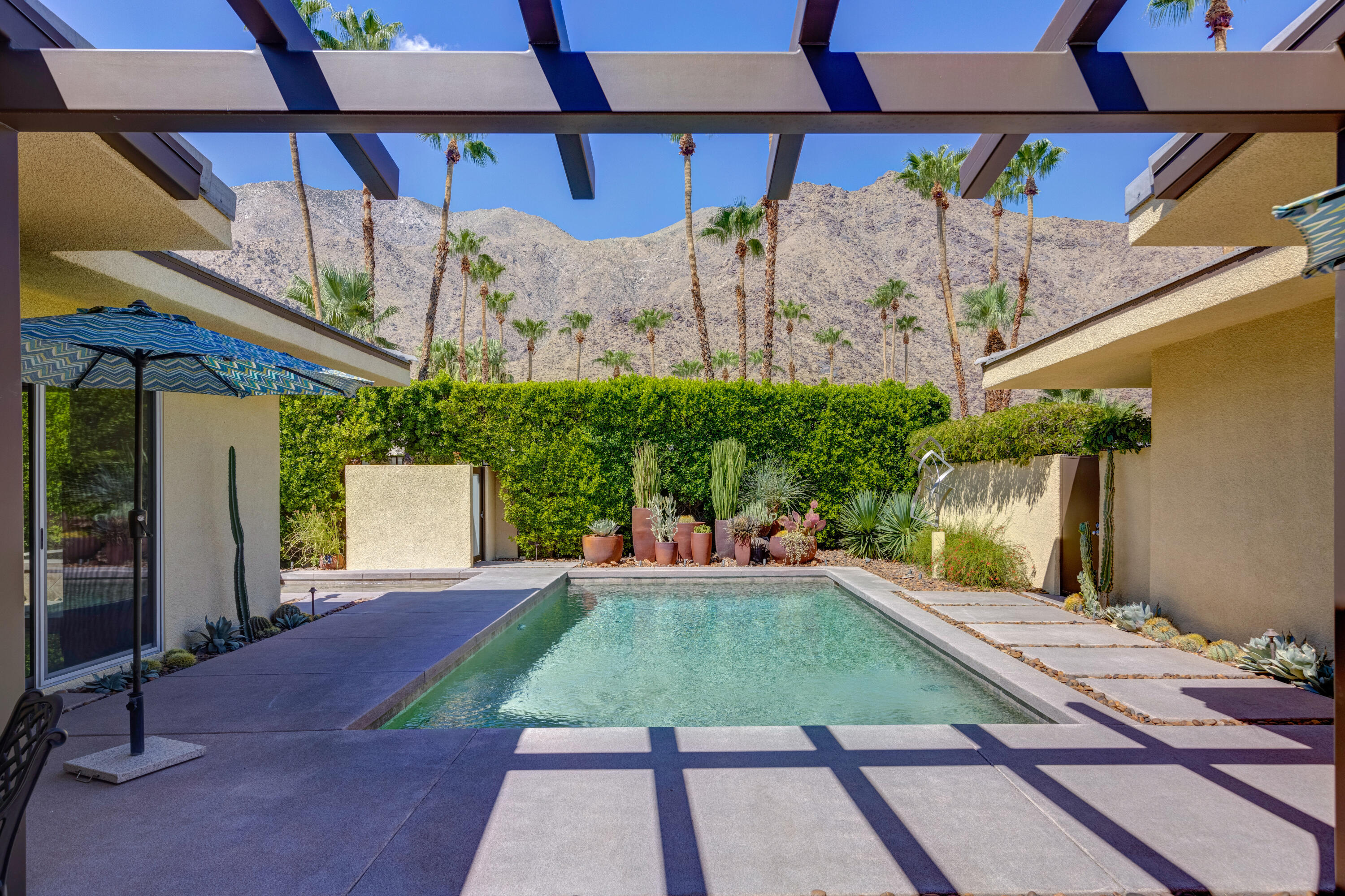 Photo of 1164 Los Robles Drive, Palm Springs, CA 92262