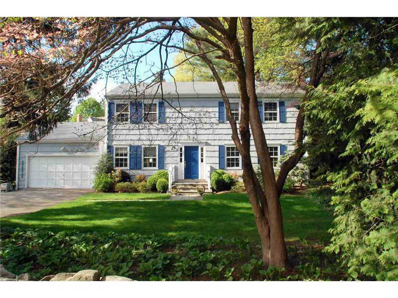 105 Lockwood Road, Riverside, CT 06878