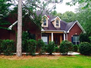 18 Pebble Cir., Lumberton, MS 39455