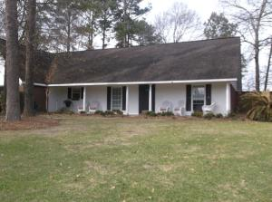 201 SOMERSET Dr., Hattiesburg, MS 39402