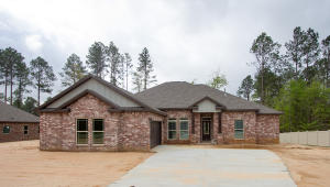 37 E Yellowstone, Hattiesburg, MS 39402