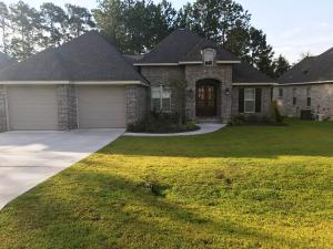14 Thornbury Ln., Hattiesburg, MS 39402