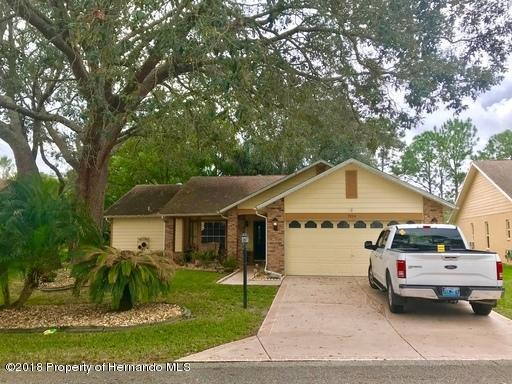 7264 Bottle Brush Drive, Spring Hill, Florida 34606, 3 Bedrooms Bedrooms, ,2 BathroomsBathrooms,Rental,For Sale,Bottle Brush,2197400