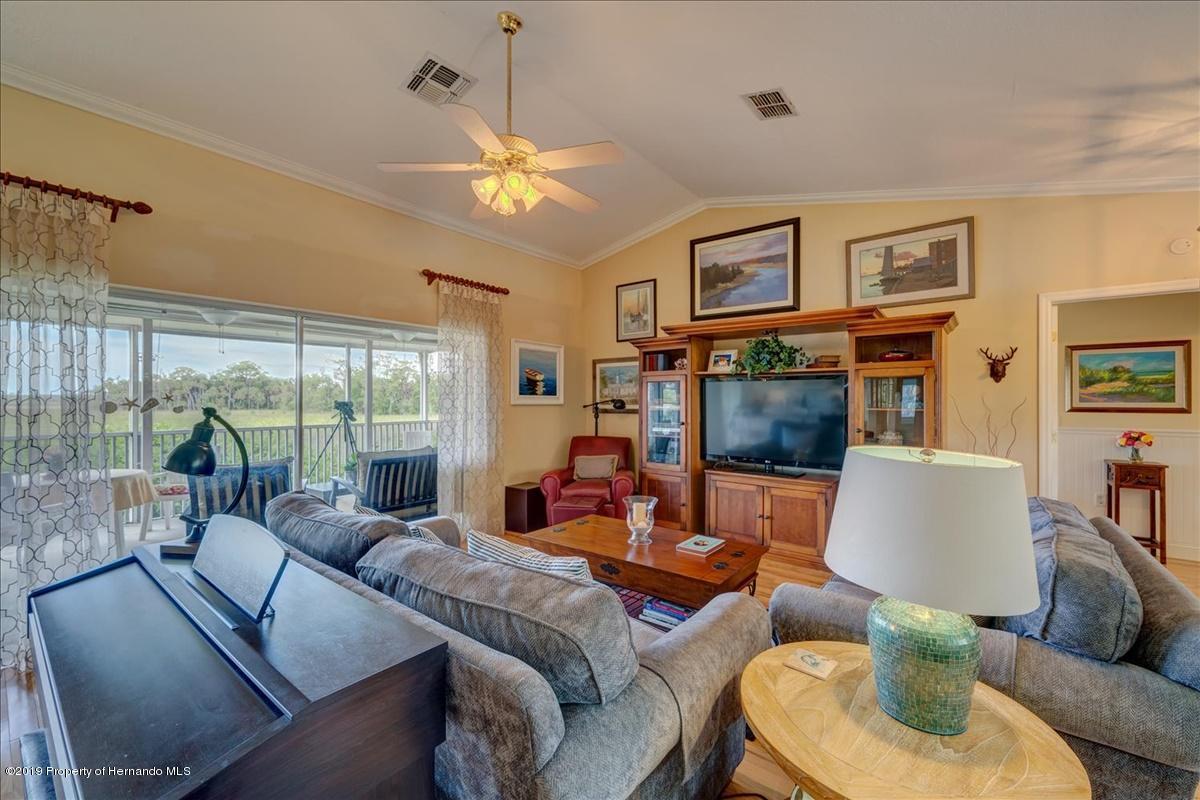 08-Living room