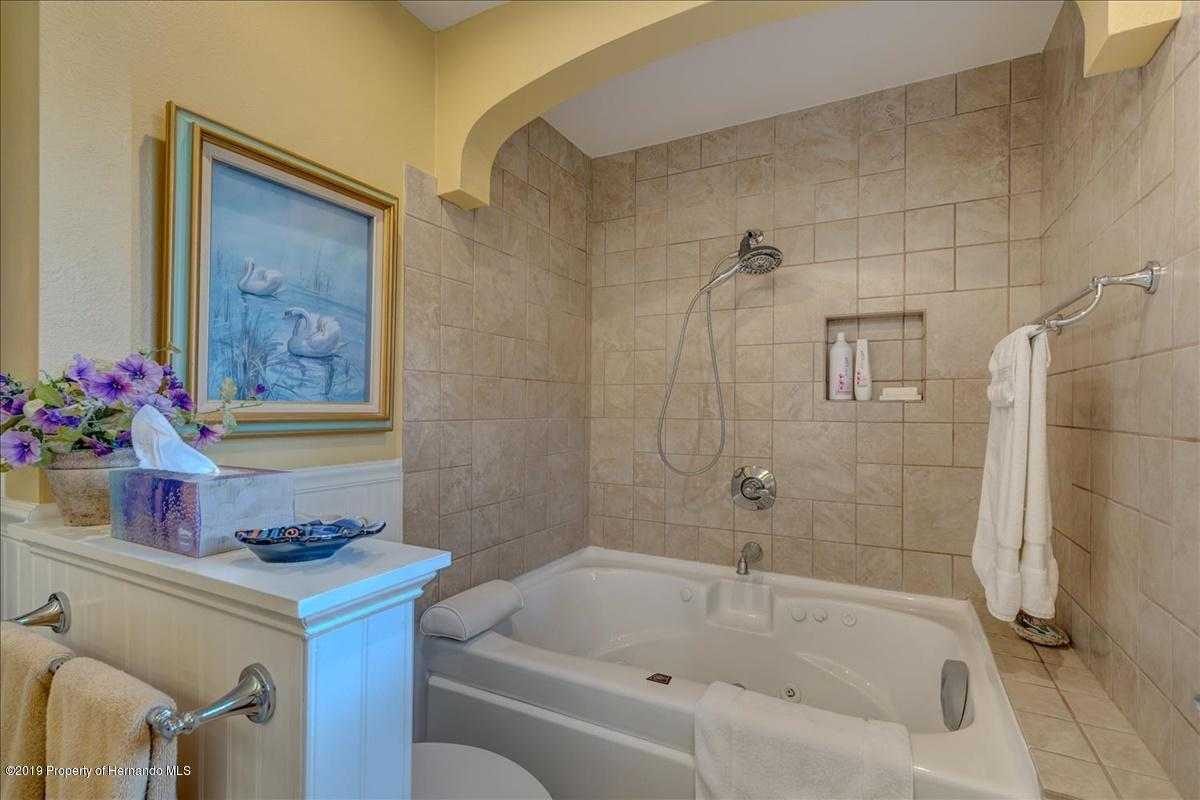 24-Master bathroom