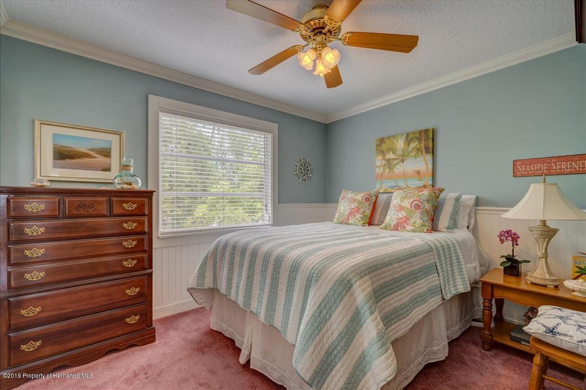 25-Guest Bedroom