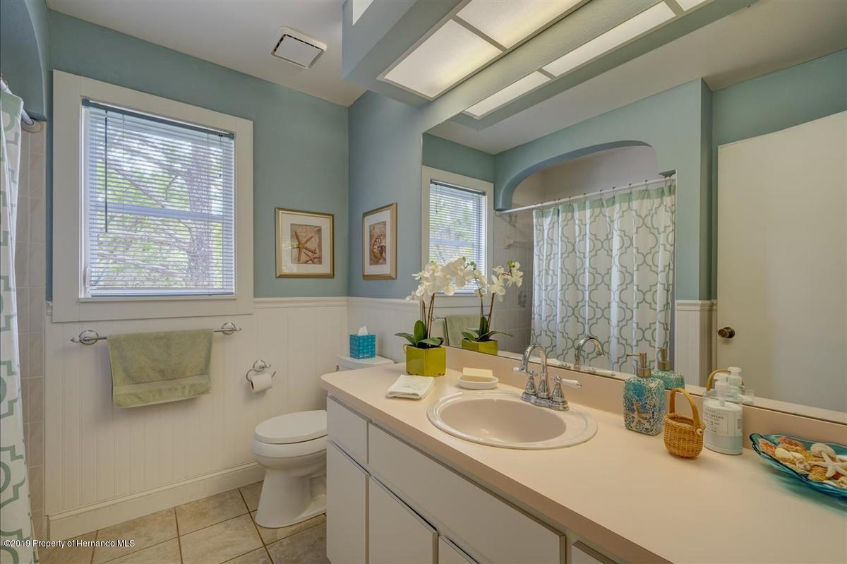28-Guest Bath