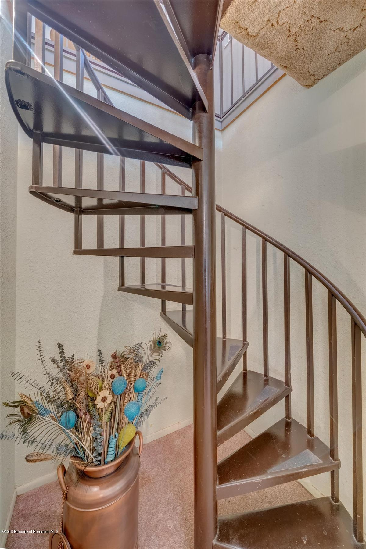 19-Staircase