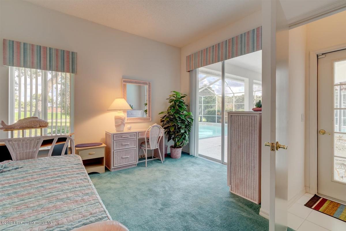 Den/Bedroom 2