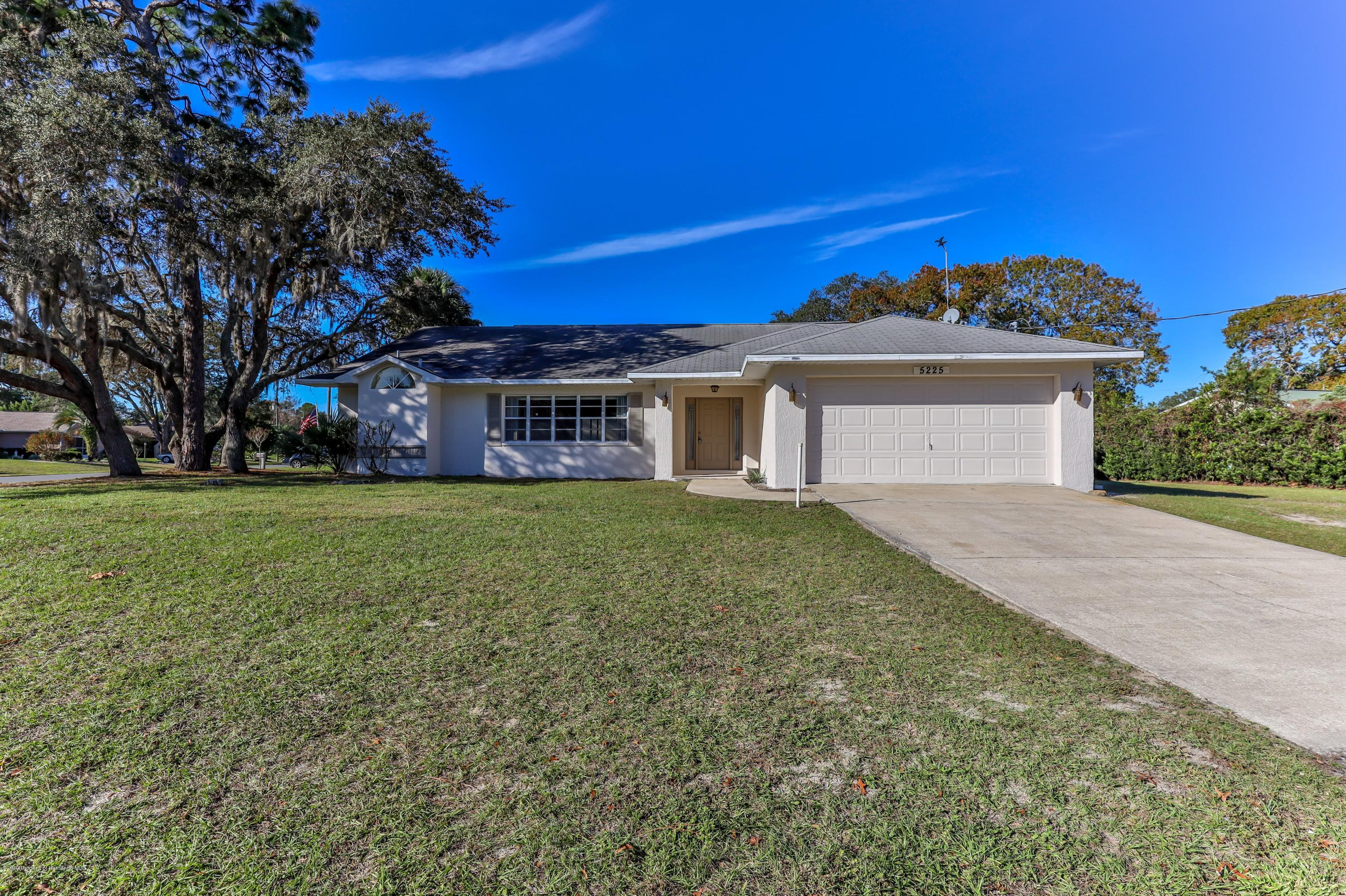 5225 Harbinger Road, Spring Hill, Florida 34608, 3 Bedrooms Bedrooms, ,2 BathroomsBathrooms,Residential,For Sale,Harbinger,2206055