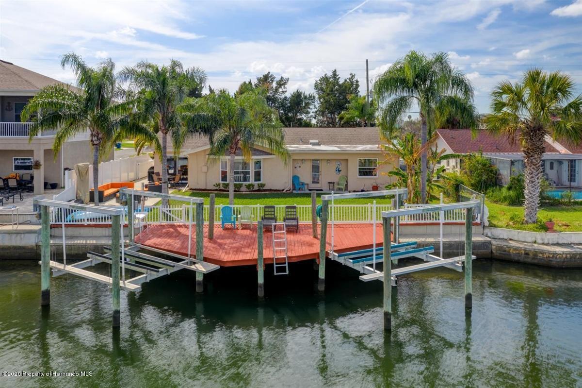 Twin Boat Lifts