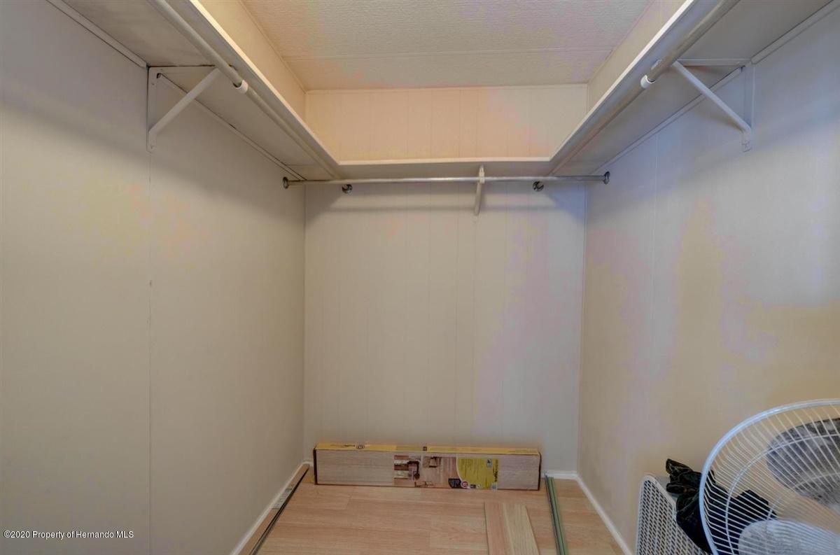 35-Mster Closet
