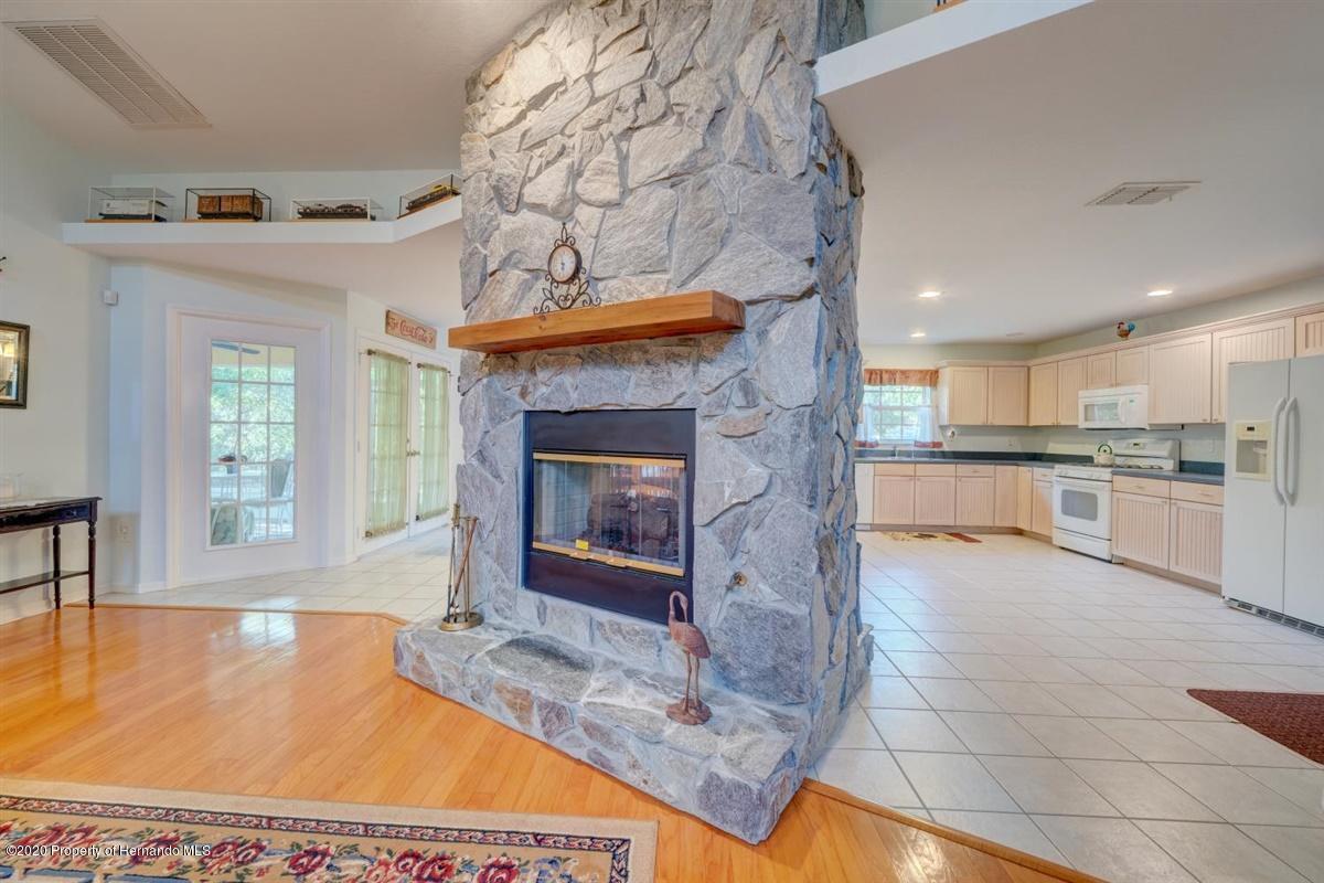 09-Fireplace