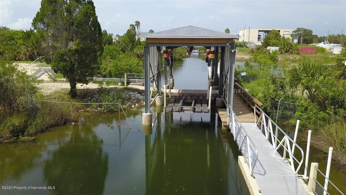 Community Boat Lift