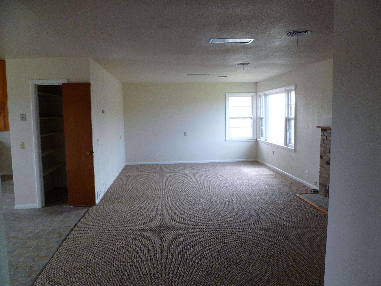 10 - Rental home Living Area