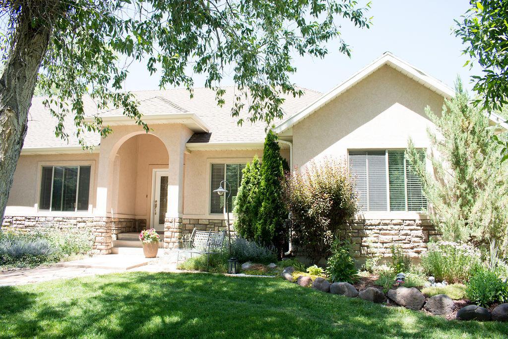 86864 2840&2845 Navajo Trail (both homes)  Beaver UT