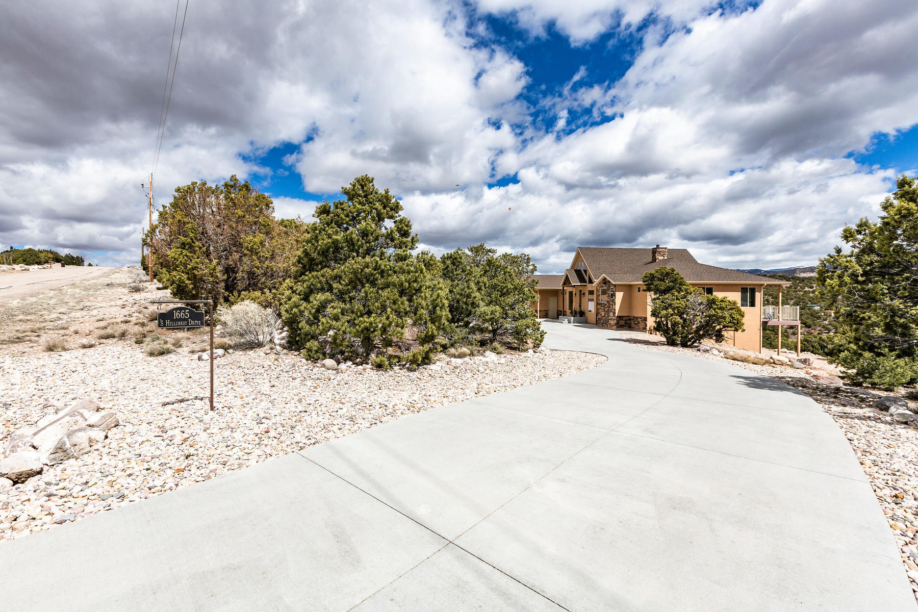 86901 1665 Hill Crest Drive  Cedar City UT