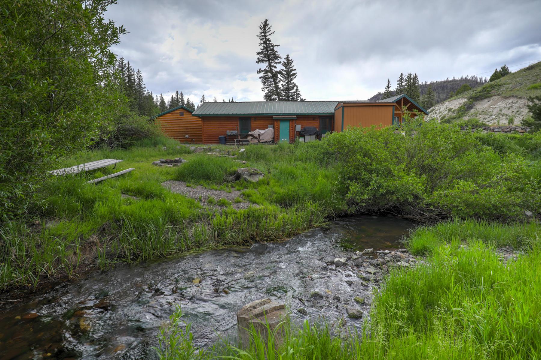 86917 945 Clear Creek Canyon RD Panguitch Lake UT