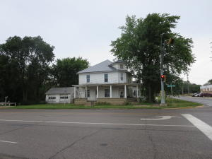 9 E CENTRAL Avenue, Estherville, IA 51334