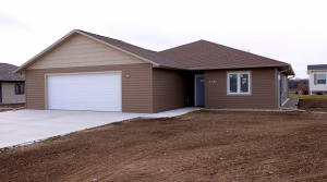 803 Lakeview Drive, Arnolds Park, IA 51331